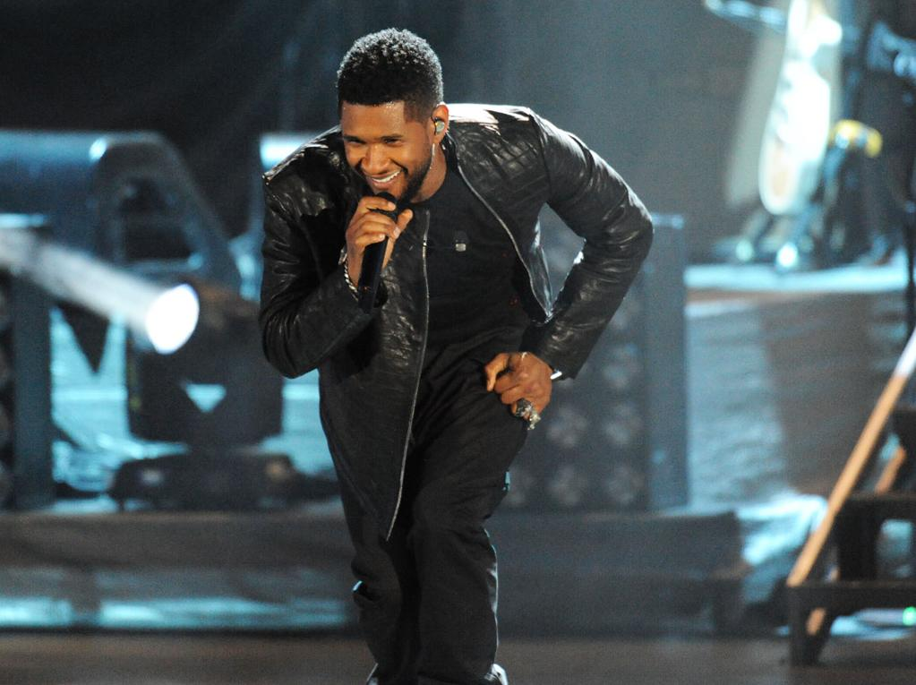 "Usher performs at the ""A Decade of Difference"" concert on October 15, 2011, at the Hollywood Bowl, Los Angeles. (Photo by Stephanie Cabral/Yahoo!)"