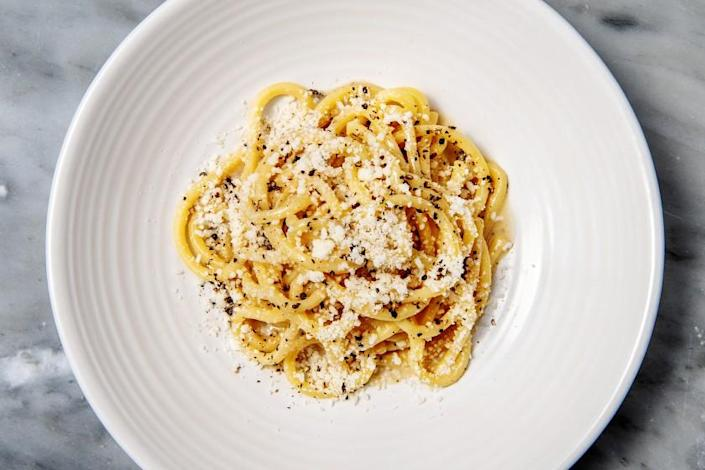 VENICE, CA - JULY 22: Cacio e pepe from Felix Trattoria on Thursday, July 22, 2021 in Venice, CA.(Mariah Tauger / Los Angeles Times)