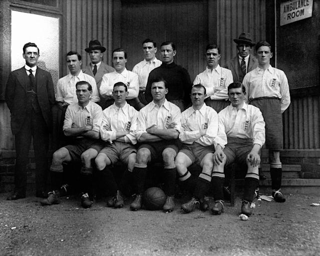<p>7 Bob Kelly<br> Age: 34 years 136 days<br> Scored against Scotland 1928<br>England team: (Top l-r) Mellor (trainer), Bert Smith (Tottenham Hotspur), Percival 'Percy' Barton (Birmingham City), Henry 'Harry' Chambers (Liverpool), Thomas 'Tommy' Smart (Aston Villa), Harold Gough (Sheffield United), John Silcock (Manchester United), Ernest 'Ernie' Simms (Luton Town), George Wilson (Sheffield Wednesday). (l-r Front) Samuel 'Sam' Chedgzoy (Everton), Robert 'Bob' Kelly (Burnley), Arthur Grimsdell (Tottenham Hotspur), Herbert 'Bert' Bliss (Tottenham Hotspur) and James 'Jimmy' Dimmock (Tottenham Hotspur) </p>