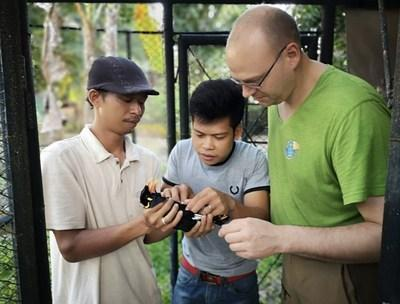 Simon Bruslund, Head of Conservation, Vogelpark Marlow, EAZA Songbirds TAG member, and Academic Partner to Species360 Conservation Science Alliance, helps to train and support local scientists and conservationists on site in Indonesia with Silent Forest Group