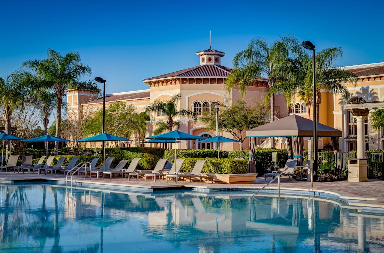 """<p>While all-inclusive <a href=""""https://www.elledecor.com/life-culture/travel/g26976032/best-florida-beaches/"""" target=""""_blank"""">Florida</a> resorts may be few and far between, the options that they <em>do</em> have makes it worth the trip. From quaint, tucked away retreats to family friendly getaways, these all-inclusive options make for a guesswork-free vacation that you can enjoy without a second thought.</p><p> See the 12 best resorts in Florida that make the sunshine state worth visiting ASAP.</p>"""