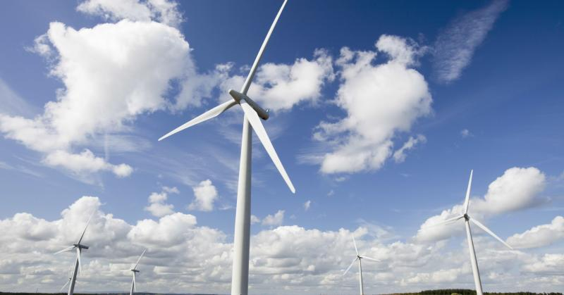 'Electricity from Scotland's wind turbines could power homes in England'