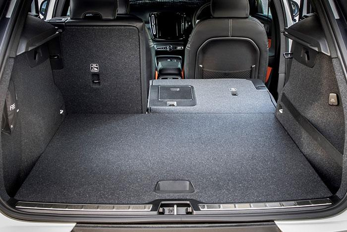 volvo-t5-boot-space