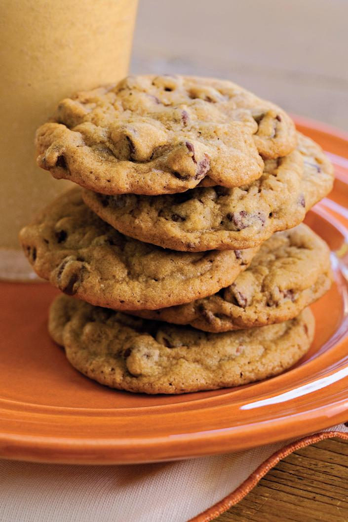 "<p><b>Recipe: </b><a href=""https://www.southernliving.com/recipes/chewy-chocolate-chip-cookies"" rel=""nofollow noopener"" target=""_blank"" data-ylk=""slk:Chewy Chocolate Chip Cookies"" class=""link rapid-noclick-resp""><b>Chewy Chocolate Chip Cookies</b></a></p> <p> No potluck dessert spread is complete without a plate of homemade chocolate chip cookies. Guests won't be able to resist this nostalgic classic.</p>"