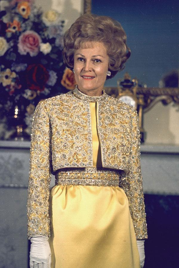 "<div class=""caption-credit""> Photo by: Wikipedia</div><div class=""caption-title"">Patricia Nixon</div>Style Notes: An embellished jacket is a sleek and unexpected look for a formal affair. <br> <br> <b>Read More: <a href=""http://www.harpersbazaar.com/fashion/fashion-articles/famous-friends-in-fashion?link=emb&dom=yah_life&src=syn&con=blog_blog_hbz&mag=harr"" rel=""nofollow noopener"" target=""_blank"" data-ylk=""slk:Famous Supermodels Who Are Best Friends"" class=""link rapid-noclick-resp"">Famous Supermodels Who Are Best Friends</a></b> <br>"