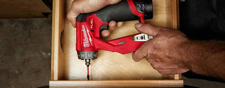 milwaukee M12 FUEL 12-Volt Lithium-Ion Brushless Cordless 4-in-1 Installation 3/8 in. Drill Driver Kit W/ M12 3/8 in. Ratchet