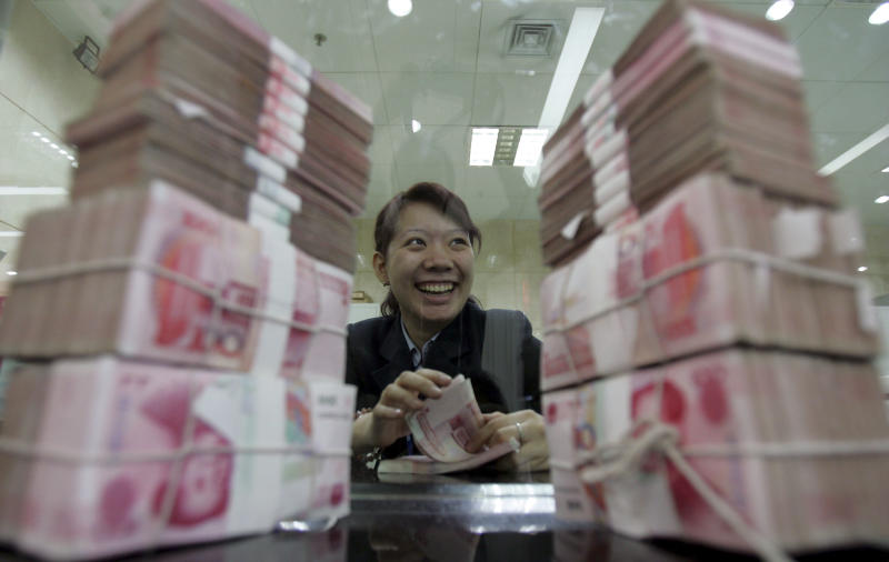 Chinese yuan weakens to 6.6493 against USD Monday