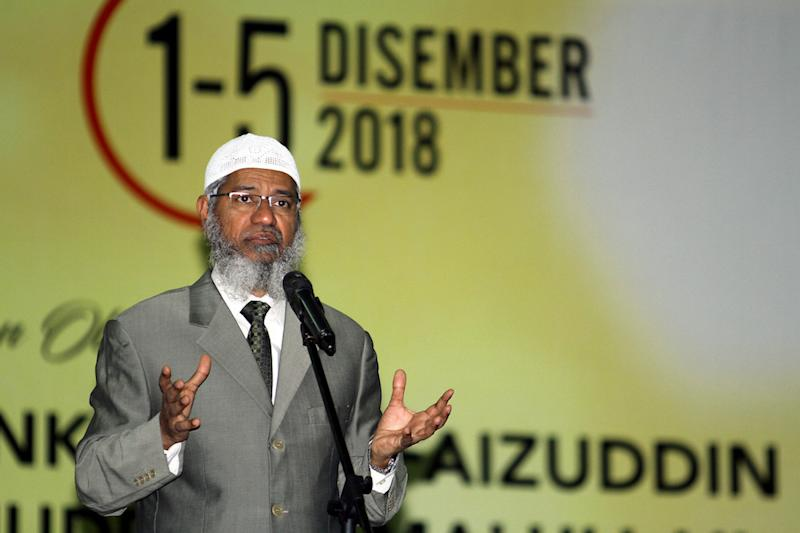 Zakir Naik denies he is racist, saying he does not want anyone to harbour 'ill feelings' towards him.— Bernama pic