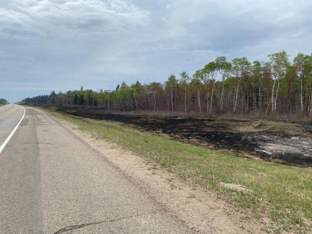 Crews are still working in the Highway 55 area, including north of the highway on Cloverdale Road. (Albert Couillard/Radio-Canada - image credit)
