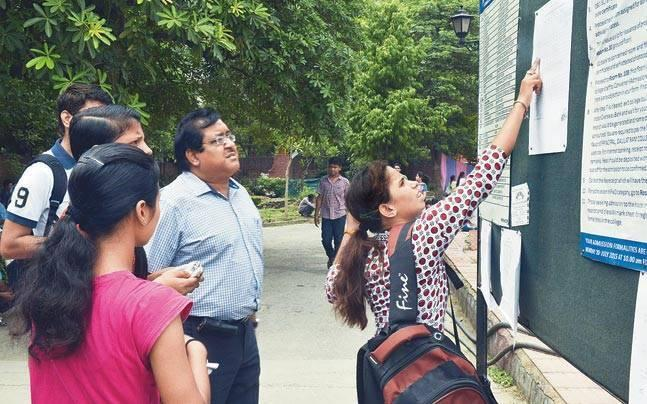 Delhi: DU extends deadline for admission seekers from outside India