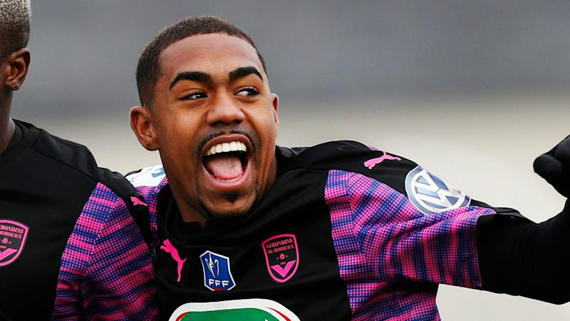 Arsenal & Tottenham dealt blow as Malcom eyes PSG move