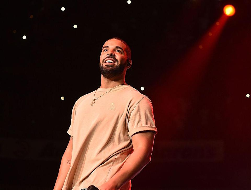 Did he or didn't he? Regardless of whether Drake got plastic surgery, he doesn't deserve to be shamed. (Photo: Getty Images)