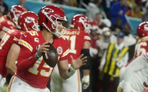 Patrick Mahomes crowned his emergence as the league's brightest young star as the Chiefs fought back from a 20-10 fourth quarter deficit to beat the San Francisco 49ers 31-20