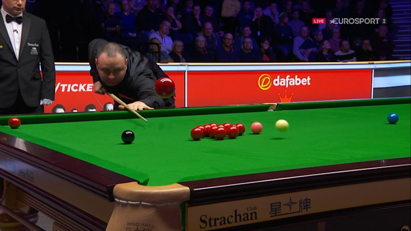 Stephen Maguire wowed the Alexandra Palace crowd with a remarkable effort in the first round