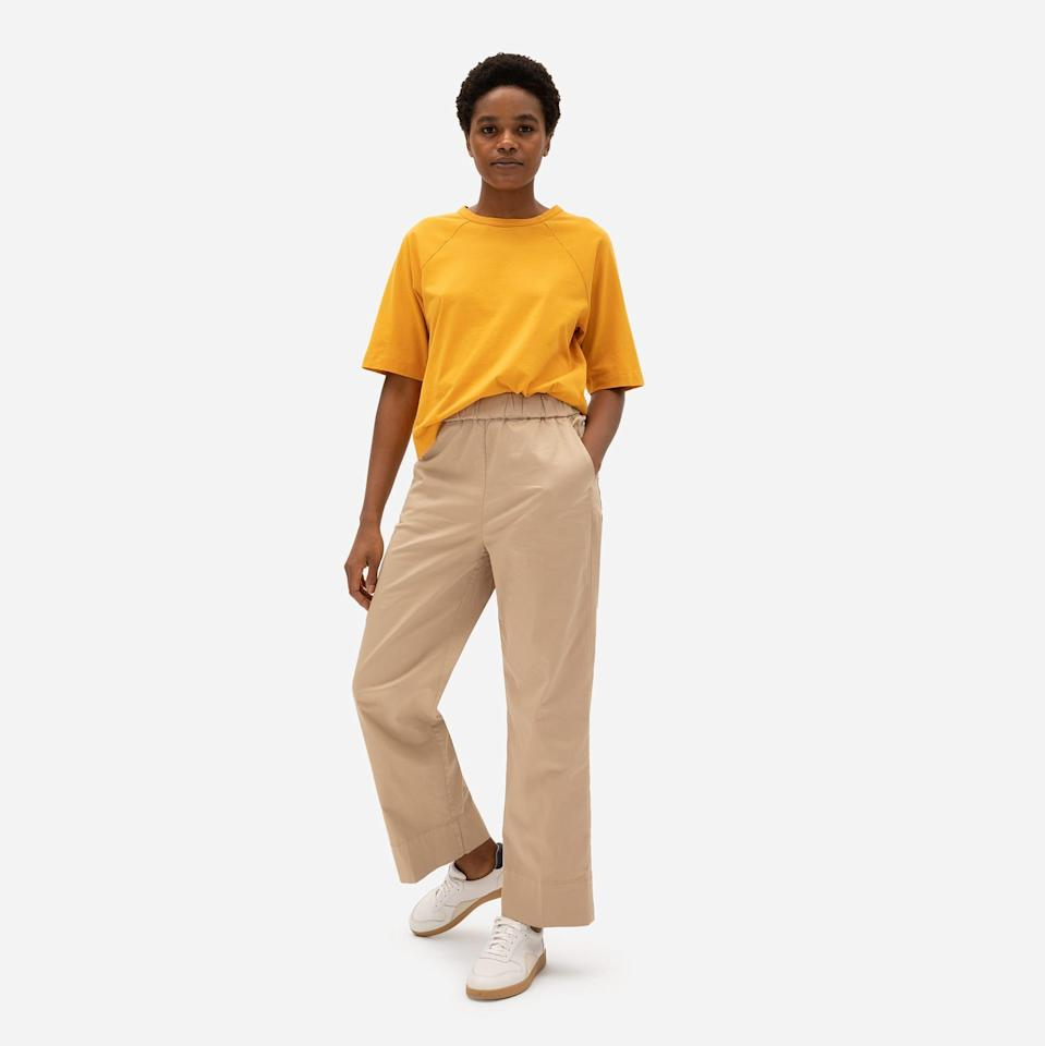 """<p><strong>Everlane</strong></p><p>everlane.com</p><p><a href=""""https://go.redirectingat.com?id=74968X1596630&url=https%3A%2F%2Fwww.everlane.com%2Fproducts%2Fwomens-easy-straight-leg-chino-warmkhaki&sref=https%3A%2F%2Fwww.seventeen.com%2Ffashion%2Fg35089866%2Feverlane-end-of-year-sale-2020%2F"""" rel=""""nofollow noopener"""" target=""""_blank"""" data-ylk=""""slk:SHOP IT"""" class=""""link rapid-noclick-resp"""">SHOP IT </a></p><p><strong><del>$58</del> $34 (41% off)</strong></p><p>If you can believe it, there will likely be a time in 2021 when we have to trade in our beloved sweats for a pair of real pants. Thanks to its elastic waistband, this pair of chinos offers the best of both worlds.</p>"""