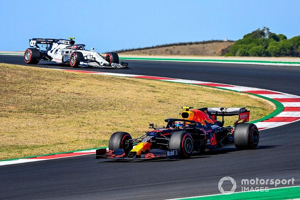 "Alex Albon, Red Bull Racing RB16, Pierre Gasly, AlphaTauri AT01<span class=""copyright"">Mark Sutton / Motorsport Images</span>"