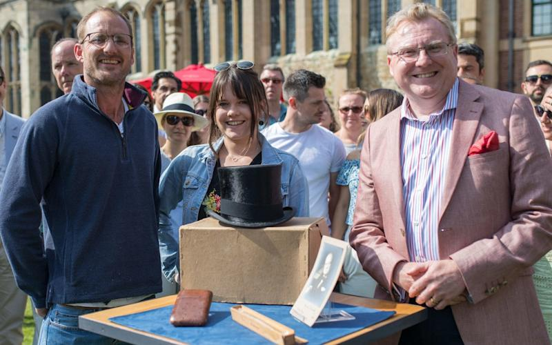 Antiques Roadshow specialist Mark Smith (right) values David Rose's set of items once belonging to Sir Winston Churchill - PA