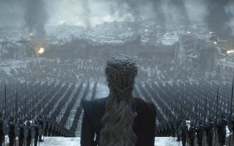 Daenerys faces the remnants of King's Landing