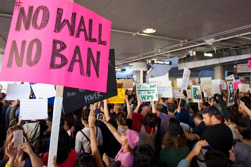 Protesters gather at the Los Angeles International airport's Tom Bradley terminal to demonstrate against President Trump's executive order effectively banning citizens from seven Muslim majority countries (AFP Photo/Konrad Fiedler)