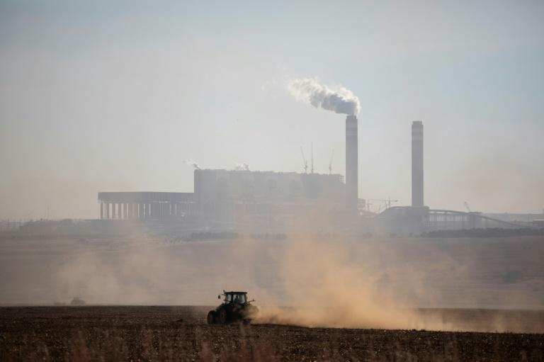 Urgent and significant reductions in pollution can limit the climate damage