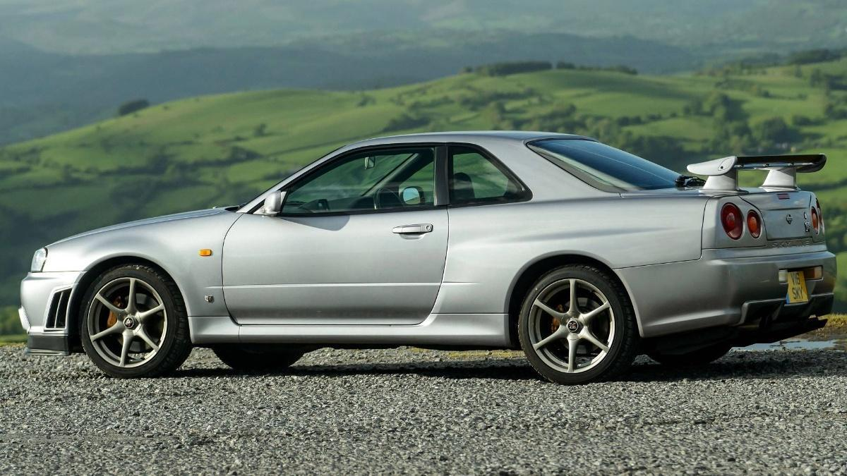 Nissan Gtr R34 For Sale >> Why You Should Buy An R34 Skyline Gtr Over A Porsche 911 Gt3