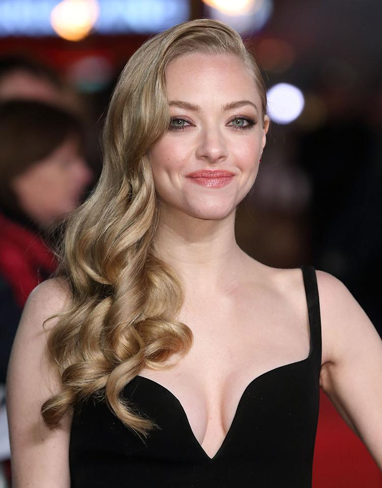 Amanda Seyfried attends the World Premiere of 'Les Miserables' at Odeon Leicester Square on December 5, 2012 in London, England