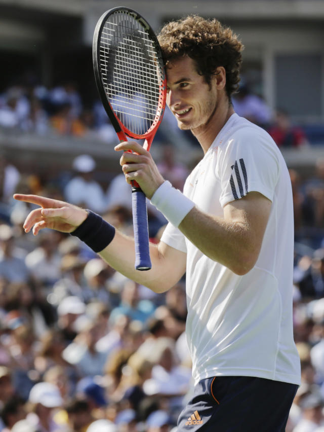 Britain's Andy Murray reacts while playing against Czech Republic's Tomas Berdych during a semifinal match at the 2012 US Open tennis tournament, Saturday, Sept. 8, 2012, in New York. (AP Photo/Charles Krupa)