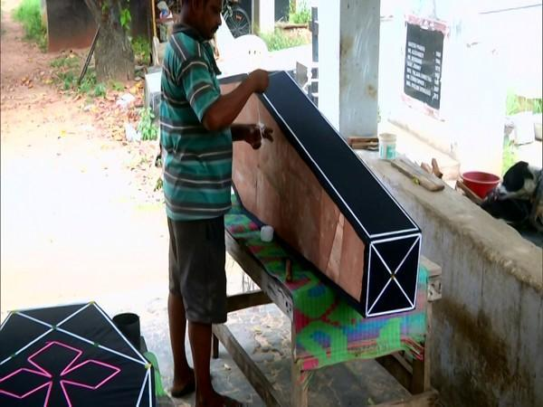 Ravi making a coffin at his shop in Coimbatore. (Photo/ANI)