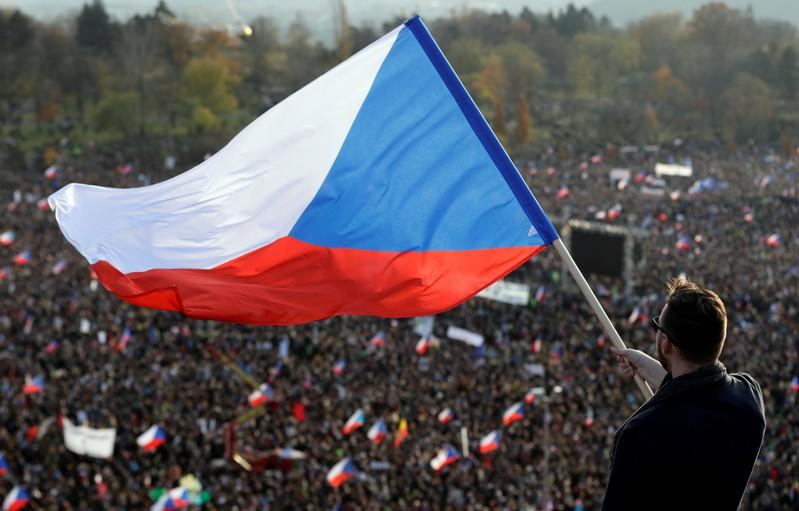Czechs rally against political leaders on eve of Velvet Revolution anniversary