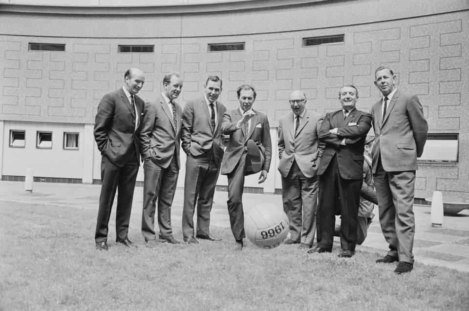 The BBC World Cup commentary team: (from left to right) Wally Barnes, Frank Bough, Kenneth Wolstenholme (1920 - 2002), David Coleman, Alan Weeks, and referees Arthur Ellis and Ken Aston, UK, 31st May 1966. (Photo by Clive Limpkin/Daily Express/Getty Images)