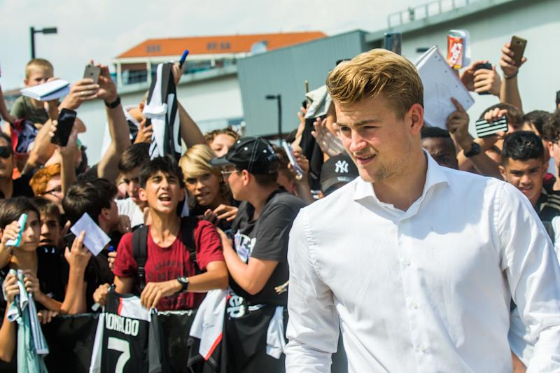 The Dutch footballer Matthijs de Ligt, new player of Juventus greets the fans in front of the J-Medical after the medical checks, Turin Italy. (Photo by Mauro Ujetto/NurPhoto via Getty Images)