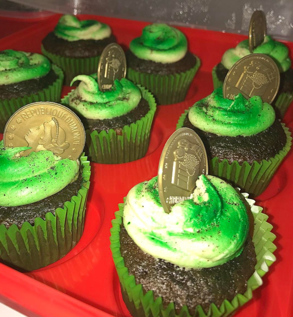 <p>In fact, there are no ordinary Guinness cupcakes, but Guinness Chocolate Peanut Butter Cupcakes. Just wow! [Photo: Instagram/sweet_nothings_by_nessa] </p>