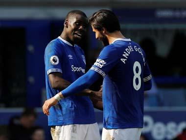 Premier League: Everton resolutely defend Phil Jagielka's early goal to put dent in Arsenal's top-four bid