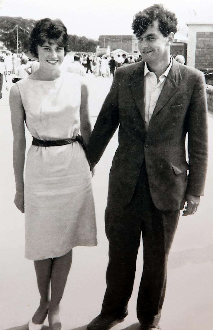 Photo of Winston Howes with his late wife, Janet Howes in 1960. (SWNS.com)