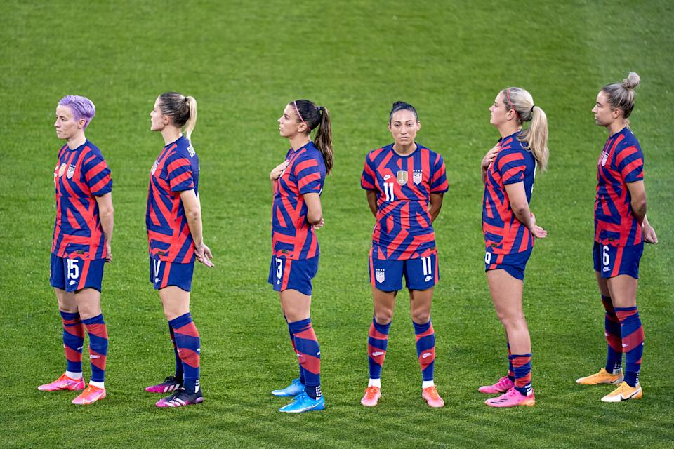 Members of the USWNT during the national anthem ahead of their game against Mexico on Thursday. (Photo by Robin Alam/Icon Sportswire via Getty Images)