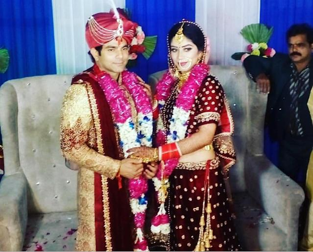 <em>Bhabi Ji Ghar Par Hain </em>actor Deepesh Bhan, popularly known as 'Malkhan', got married to long time girlfriend in May this year and shared the wonderful news with his fans and social media followers through a cute picture. The couple, twinning in gorgeous maroon attires, took the oath in a private ceremony held in Delhi. The groom had also belted out '<em>Ek ajnabee haseena se' </em>for his newlywed wife.