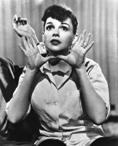 """In this undated publicity file photo, film actress and singer, Judy Garland, is shown singing the Harold Arlen-Ira Gershwin song, """"The Man Who Got Away"""" in the 1954 film, """"A Star is Born."""" (AP Photo, File)"""