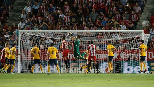 <p>It was an uncharacteristically nervy and unconvincing defensive display from Atletico against Girona, one that will have concerned Simeone.</p> <br><p>Goalkeeper Jan Oblak was left far too exposed on numerous occasions, and produced a sublime reflex save in injury time to ensure his side left with a point. Atletico undoubtedly missed two of the key components of their usually reliable back four; Diego Godin and Filipe Luis, but they would still have expected better.</p> <br><p>They will need to quickly rediscover the typical defensive organisation that has been a staple of Simeone's teams in recent years.</p>