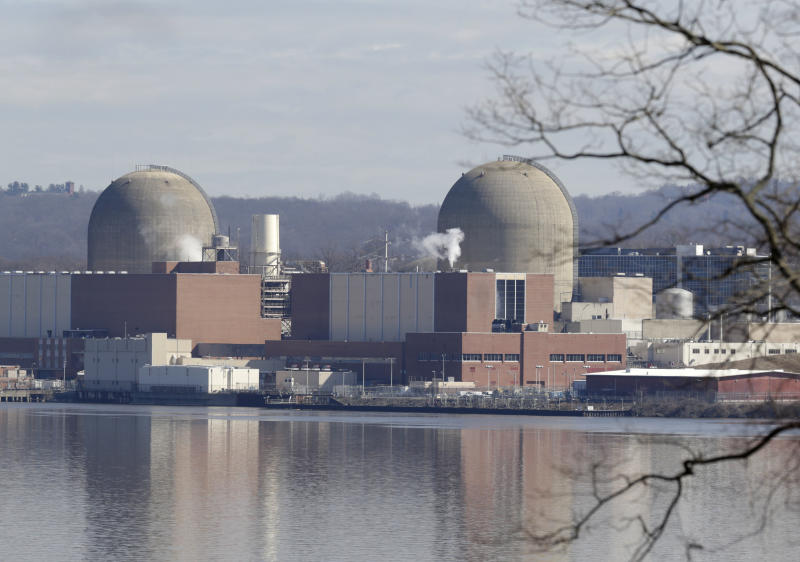 Lawmakers question plan to close NYC-area nuclear plant