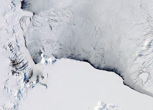 This October 16 NASA Aqua satellite image, captured by the on board Moderate Resolution Imaging Spectroradiometer (MODIS), shows a view of the Western Ross Sea and Ice Shelf in Antarctica
