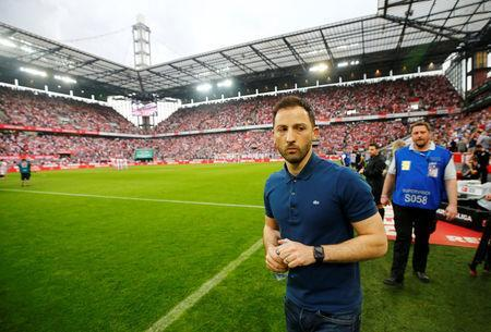 Soccer Football - Bundesliga - FC Cologne v Schalke 04 - RheinEnergieStadion, Cologne, Germany - April 22, 2018 Schalke coach Domenico Tedesco before the match REUTERS/Wolfgang Rattay