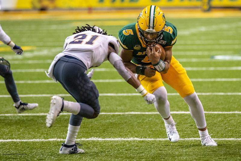 Lance, defense lead FCS top-ranked NDSU to 25th straight win