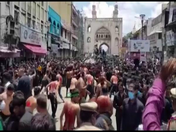 Huge crowds gatheres in the Old City area on Sunday to observe Muharram.