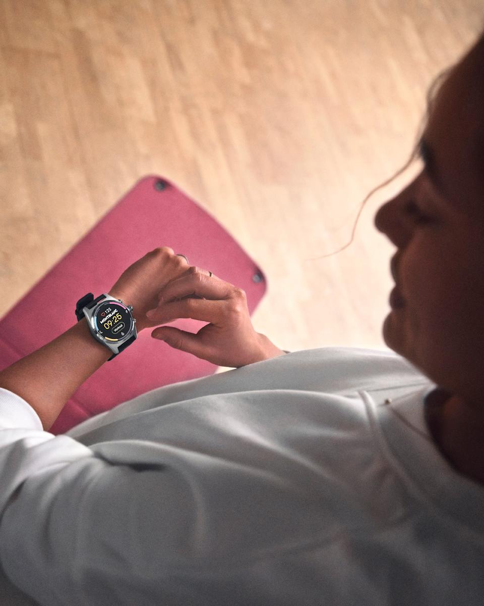 <p>Montblanc Summit Lite. The Summit Lite smartwatch on a person's wrist showing a workout tracking session.</p>
