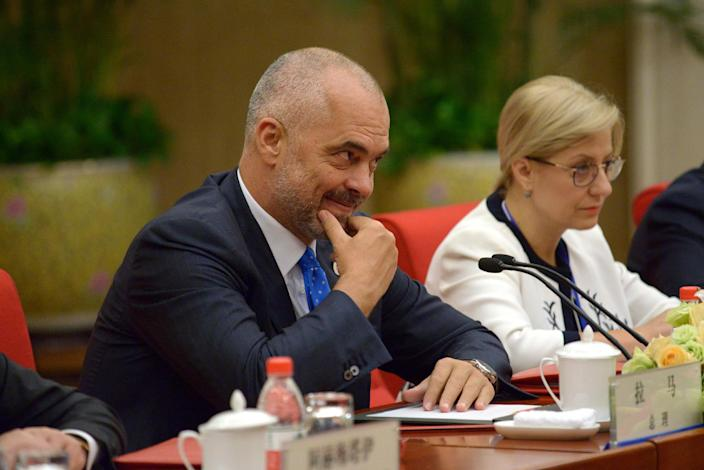 Albanian Prime Minister Edi Rama (L) during the World Economic Forum in Tianjin on September 10, 2014 (AFP Photo/Wang Zhao)