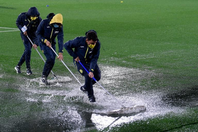 Heavy rain led to Villarreal's match with Maccabi Tel-Aviv being delayed by over an hour
