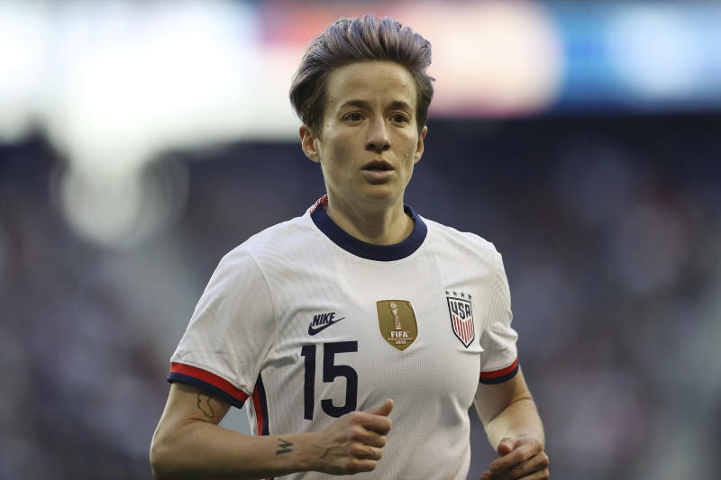 United States forward Megan Rapinoe (15) runs over to take a corner kick during the second half of a SheBelieves Cup soccer match against Spain Sunday, March 8, 2020, in Harrison, N.J. The United States won 1-0. (AP Photo/Steve Luciano)