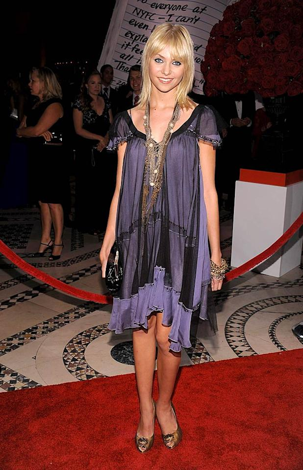 """Blake's 15-year-old costar Taylor Momsen looks much older in this dowdy dress and heavy gold chains. Dimitrios Kambouris/<a href=""""http://www.wireimage.com"""" target=""""new"""">WireImage.com</a> - September 16, 2008"""