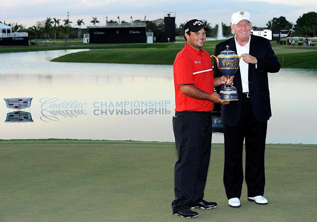 "<a class=""link rapid-noclick-resp"" href=""/ncaaf/players/244960/"" data-ylk=""slk:Patrick Reed"">Patrick Reed</a> and President Trump at Doral in 2014. (Getty)"