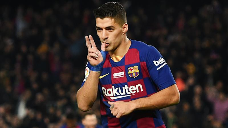 Suarez moves third on Barca's all-time scoring list